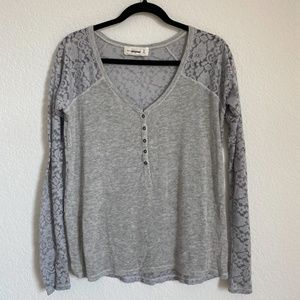 Abercrombie & Fitch AF Henley Long Sleeve Tee Gray w Lace Detail Size XS